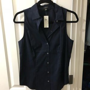 New with tags. Sleeves button down shirt